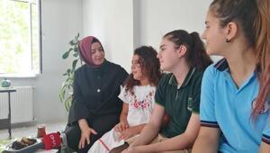 Fatma Betül Sayan Kayadan İBBde işten çıkarılan güvenlikçiye ziyaret