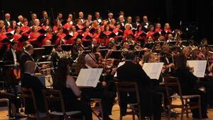 Cumhurbaşkanlığı Senfoni Orkestrası Sivasta konser verdi