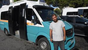 Minibüs şoförü, kalp krizi geçiren yolcuyu hastaneye yetiştirdi