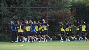 Fenerbahçede Alanyaspor maçı hazırlıkları sürüyor