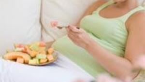 Hamileliğe hazırlanan çiftler nasıl beslenmeli