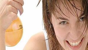 Kepekli saçlar için doğal maske tarifleri