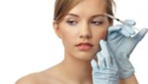 Botoksla gözlerinizi de tedavi edebilirsiniz