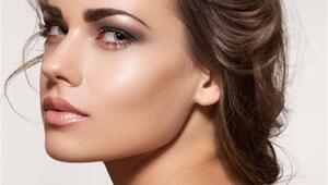Makyajın vazgeçilmezi: Fondöten