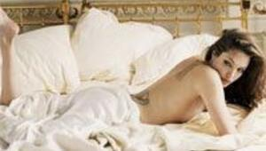 Ana tanrıça Angelina Jolie