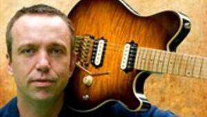 Tek Eli Olmayan Gitaristin Büyük Yeteneği