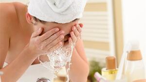 Doğru Makyaj Temizleme Yöntemi Nasıl Olmalı