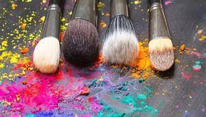 Makyaj Malzemelerini Temizleme Yöntemleri