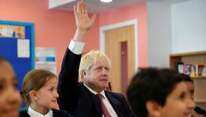 İngiltere'den yabancı öğrencileri sevindiren iptal: 2 yıl kalıp, çalışabilecekler...