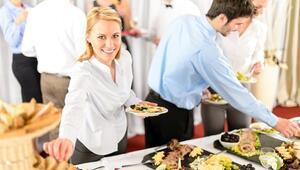 Yılbaşı Akşamınız Aşırı Yemek Yüzünden Zehir Olmasın
