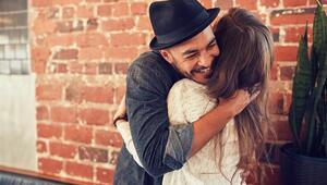 Sevgiliye Sarılmak Yağ Yakımını Hızlandırıyor