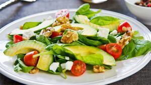 Hafif Bir Öğün; Avokadolu Kinoa Salatası