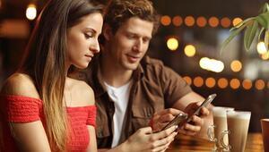 Sosyal Medya Evliliklere Zarar mı Veriyor