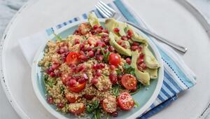 Protein Deposu: Beyaz Kinoa Salatası