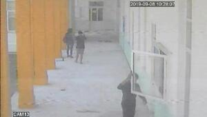 KKTC polisi, okuldaki Türk bayrağını indiren Rum'u arıyor