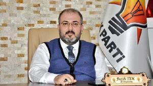 AK Partili Tekten HDP önündeki ailelere destek