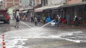 Orhaneli'nde sokaklar köpkülü su ile yıkanıyor