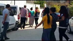 Bursada hırsızlık yapan 3 kadın çaldıkları parayı paylaşırken kameralara yakalandı