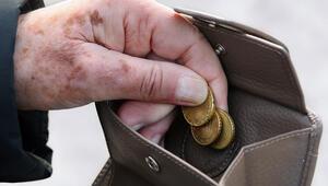 Emekliler fakirlik riskiyle karşı karşıya