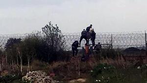 Yunanistana kaçmak isteyen göçmenler tellerde yakalandı