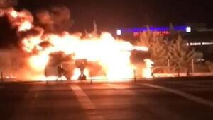 İzmir'de yolcu otobüsü alev alev yandı