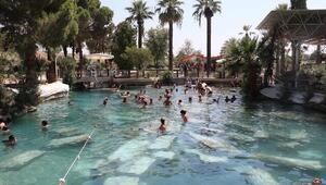2 bin 500 yıllık antik havuzda yüzme keyfi