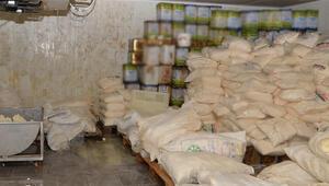 Kayseride büyük baskın 20 ton kaçak peynir ele geçirildi