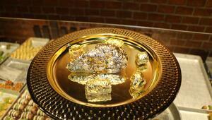 Endonezyada dilimi bin dolara altın kaplamalı baklava