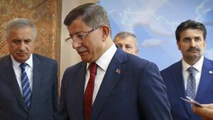 Son dakika Ahmet Davutoğlu AK Partiden istifa etti