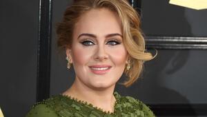 Adele boşanıyor