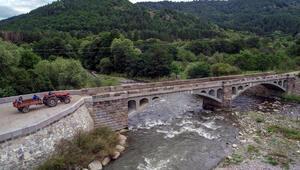 Ardahanın asırlık köprüleri zamana direniyor