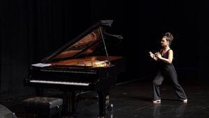 Ünlü piyanist Odelia Sever Darüşşafakalı çocuklar için sahneye çıktı