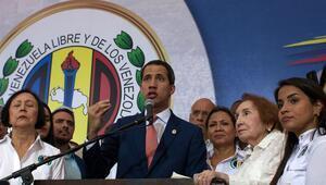 Paramiliter liderlerle fotoğraf çektiren Guaidoya soruşturma
