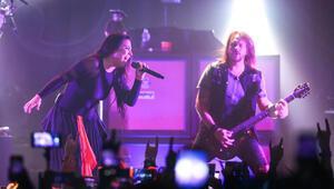 Evanescence İstanbulda hayranlarıyla buluştu
