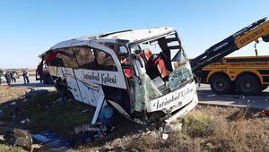 Afyonkarahisarda yolcu otobüsü devrildi