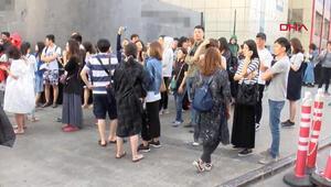 İstanbulda panik anları Turistler kendilerini dışarı attı