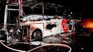 Aksarayda yolcu otobüsü küle döndü, 31 yolcu ölümden döndü