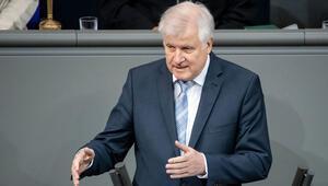 Seehofer: 'Alman polisleri Afganistan'da kalacak'