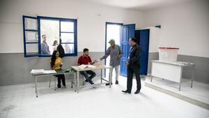 Tunusta cumhurbaşkanlığı seçimlerinde oy verme işlemi başladı