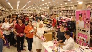 Akif Manaf İstanbullu okuyucularıyla buluştu
