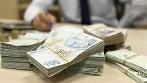 Bütçe ağustosta 576 milyon TL fazla verdi