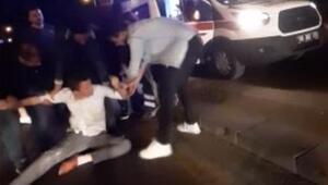 Araçtan atladı yardıma gelenlere saldırdı