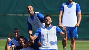 Kasımpaşada Antalyaspor maçı hazırlıkları sürüyor