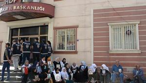 HDP önündeki eylemde 15inci gün; aile sayısı 36 oldu
