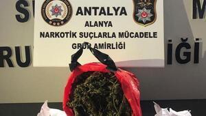 Polisten uyuşturucu operasyonu: 3 gözaltı