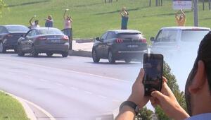 Trafik durdu, herkes telefonlarına sarıldı