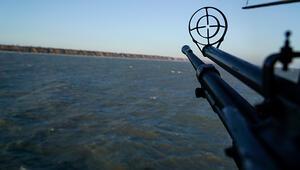 Ruslar gemiye el koydu