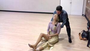 Dans provasında düşüp kolunu kırdı: Yerde acılar içinde