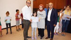 Yenişehir'de halk oyunları eğitimine katılanlar sertifikalarını aldı