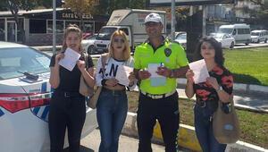 Aksarayda 3 öğrenci trafik cezası yedi, hatıra fotoğrafı çektirdi